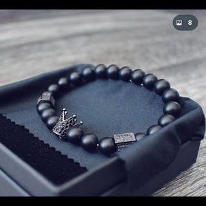 Luxury crown bead bracelet. New, never worn